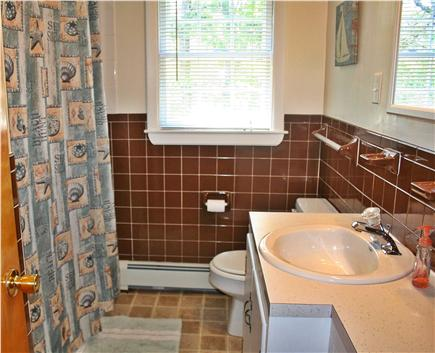 Chatham Cape Cod vacation rental - Full bath with combination Tub and Shower