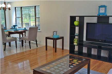 Osterville Osterville vacation rental - Airy and bright living room