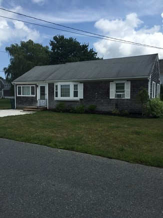 Barnstable Cape Cod vacation rental - Barnstable vacation rental ID 25557 with new shelled driveway