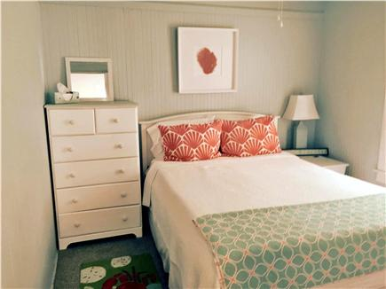 Falmouth Heights Cape Cod vacation rental - Main floor - Queen bed