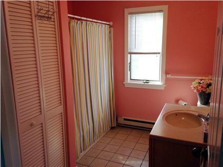 Truro Cape Cod vacation rental - Full bath