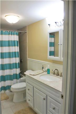 Dennis Cape Cod vacation rental - Full Bathroom