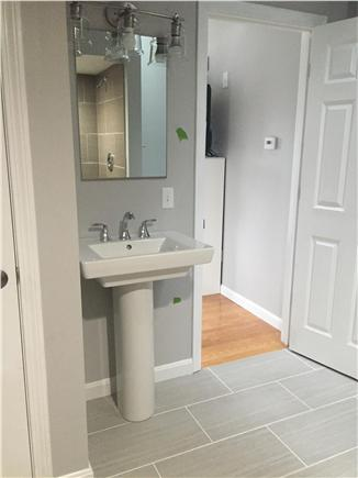 Dennisport Cape Cod vacation rental - Master bathroom