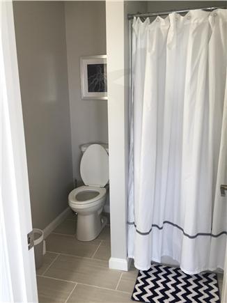 Dennisport Cape Cod vacation rental - Suite bathroom
