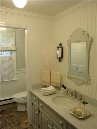 Harwich Cape Cod vacation rental - Main bathroom