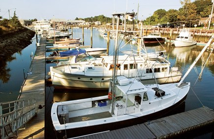 Barnstable, Coast of Hyannis Cape Cod vacation rental - Nearby Barnstable Harbor