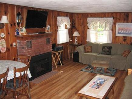 Dennis Port Cape Cod vacation rental - Livingroom