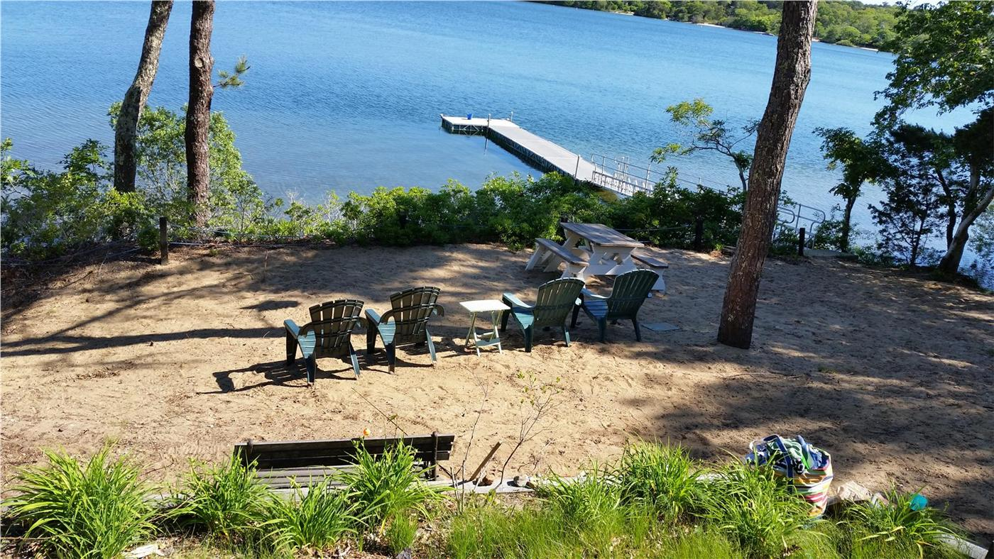 Harwich Vacation Rental Home In Cape Cod Ma 02645 Long Pond Waterfront W Private Beach Id 25778