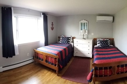 Pleasant Lake Harwich Cape Cod vacation rental - Large BR3, 2 twin beds, lake view, A/C, flat panel tv