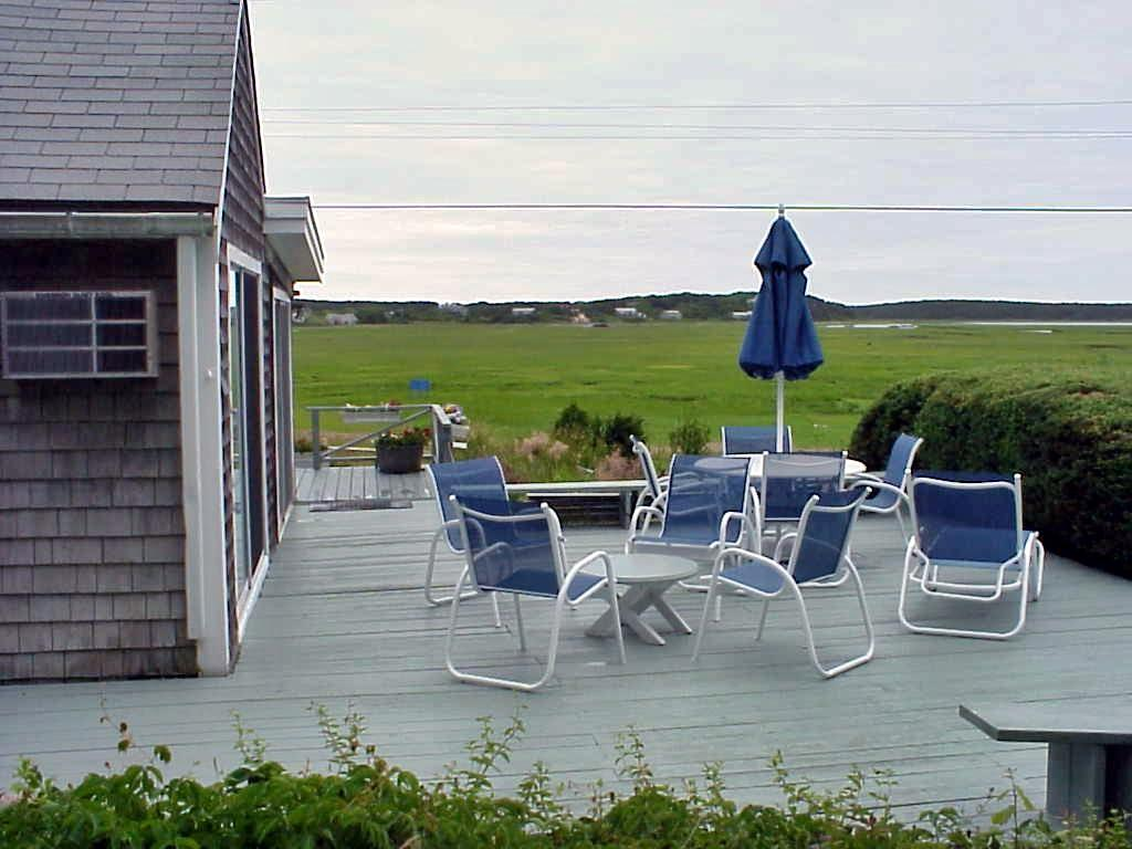 Wellfleet vacation rental home in cape cod ma 02663 1 2 for Cabin rentals in cape cod ma