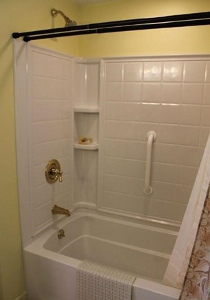 Eastham Cape Cod vacation rental - Full bathroom