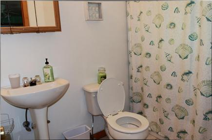 South Yarmouth Cape Cod vacation rental - Bathroom #44