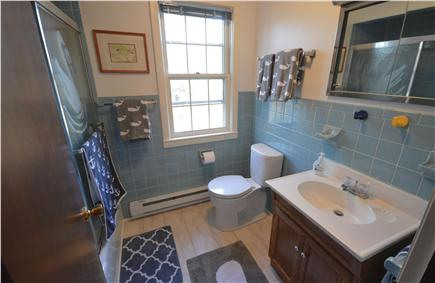 Eastham Cape Cod vacation rental - Full bathroom with combination tub and shower