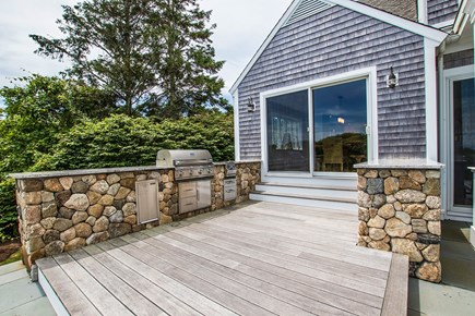North Chatham, Half a mile to  Cape Cod vacation rental - Outdoor kitchen...clambake anyone?!
