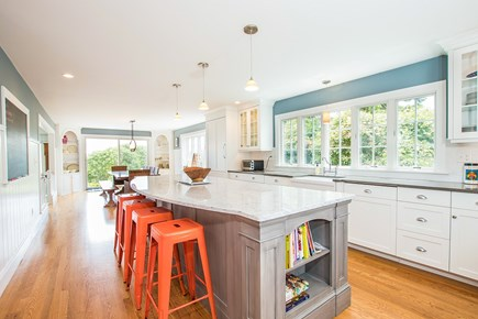 North Chatham, Half a mile to  Cape Cod vacation rental - Hangout at the kitchen island