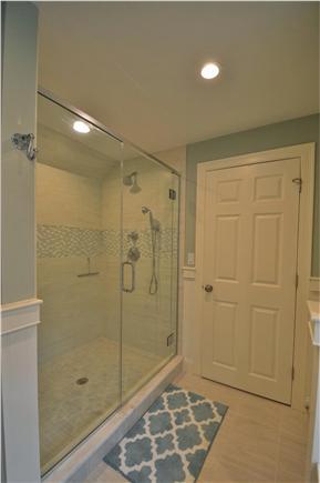 Osterville Osterville vacation rental - 2nd floor en suite bathroom