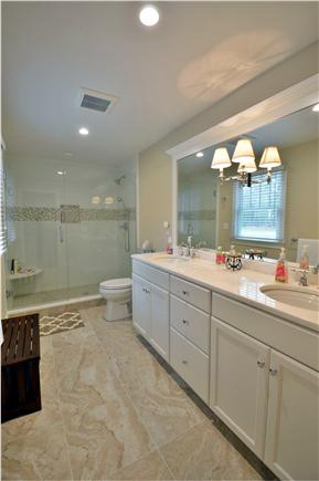 Osterville Osterville vacation rental - En suite bathrooms