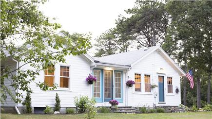 Hyannis Cape Cod vacation rental - Beach Glass Cottage