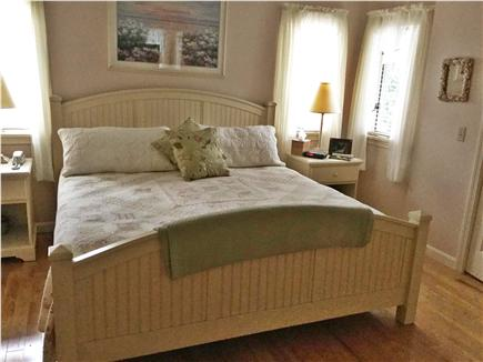 Mashpee, Popponesset Cape Cod vacation rental - Main floor master with king bed