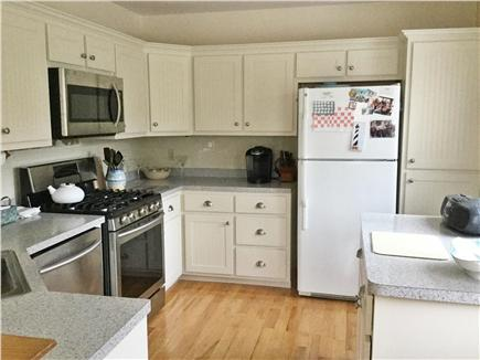 Mashpee, Popponesset Cape Cod vacation rental - Fully applianced kitchen