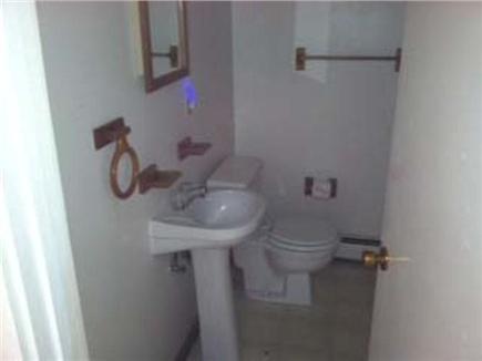 Dennisport Cape Cod vacation rental - Bath