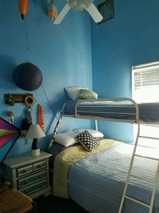 Plymouth MA vacation rental - Bedroom 2 - Bunk bed with twin above and Full below.