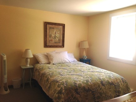 Wellfleet Cape Cod vacation rental - Bottom Level Queen Bedroom