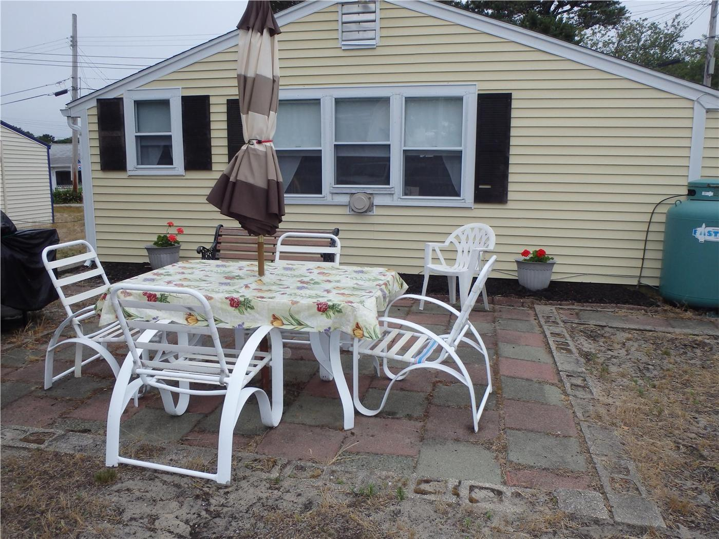 Cool Dennis Vacation Rental Home In Cape Cod Ma Private Beach Home Interior And Landscaping Spoatsignezvosmurscom