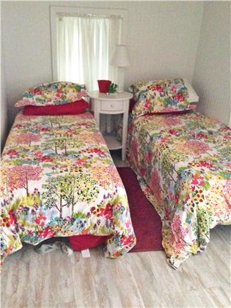 Plymouth, Manomet MA vacation rental - Bedroom #2 -  two twin beds- flat screen TV and cable