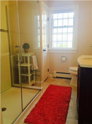 Brewster on Orleans border Cape Cod vacation rental - Full bath first floor