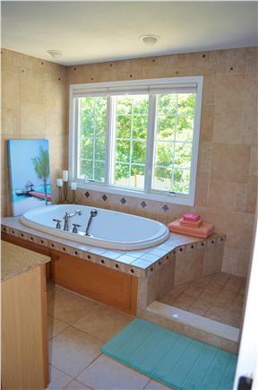 Bayside of Eastham Cape Cod vacation rental - Upstairs full bathroom in Master Bedroom