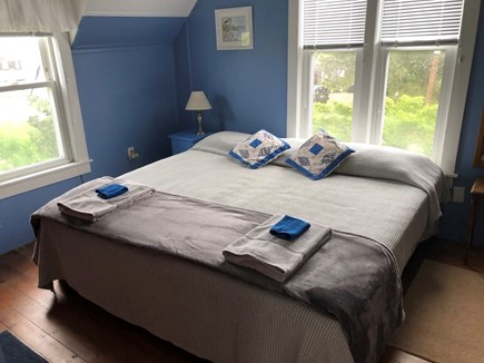 Falmouth, Menauhant Cape Cod vacation rental - Blue room, king bed