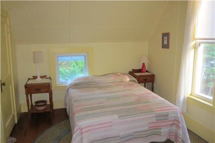 Falmouth, Menauhant Cape Cod vacation rental - Yellow room 2nd floor (queen)