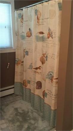 South Yarmouth Cape Cod vacation rental - Bathroom tub/shower