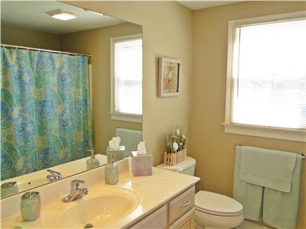 Popponesset Cape Cod vacation rental - Upstairs full bathroom