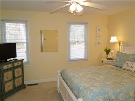 Popponesset Cape Cod vacation rental - Main floor queen - television, ceiling fan