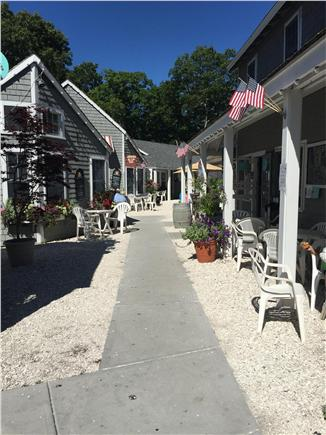 New Seabury, Popponesset New Seabury vacation rental - Poppy Marketplace 1 mile- coffee, ice cream, mini golf, raw bar