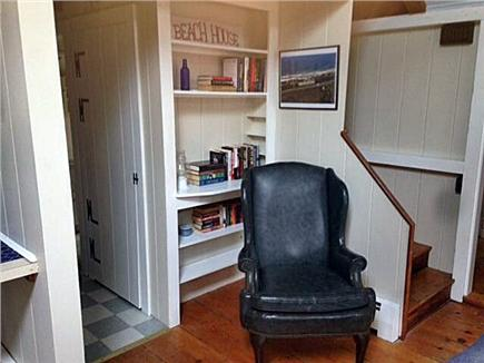 Dennis Cape Cod vacation rental - Loads of books to share