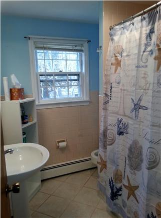 Harwich Cape Cod vacation rental - Ligh & bright full bath