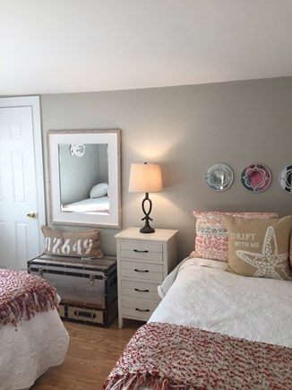 Mashpee, Popponesset Cape Cod vacation rental - Queen and twin