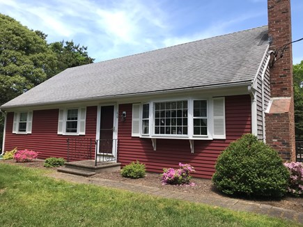North Eastham, Herringbrook/Ma Cape Cod vacation rental - Front view - quiet street