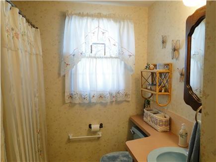Dennisport Cape Cod vacation rental - Full bath with tub, shower