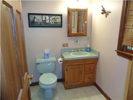 Wellfleet Cape Cod vacation rental - Upstairs bath
