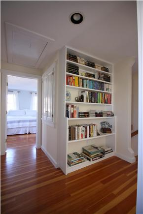 Chatham downtown village Cape Cod vacation rental - Upstairs landing with built-in library nook