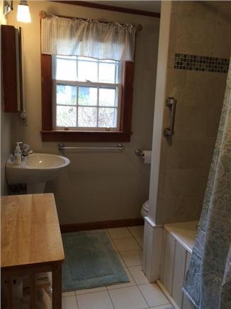 Orleans Cape Cod vacation rental - Full Bathroom