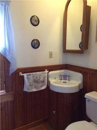 Orleans Cape Cod vacation rental - Half bathroom