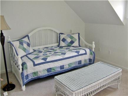 New Seabury, Mashpee New Seabury vacation rental - 2nd floor loft with day bed