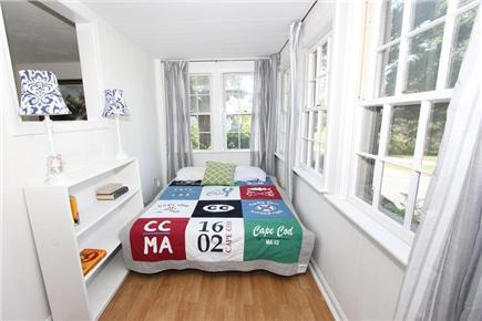 Pocasset, Bourne Pocasset vacation rental - 1st Floor Porch Bedroom w/ Full Futon