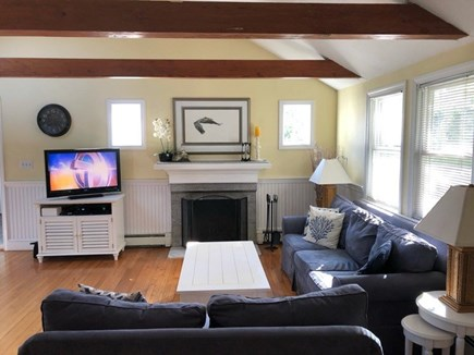 Centerville, Hyannis Port Cape Cod vacation rental - Bright, comfortable living room, cable TV and Hi-speed internet.