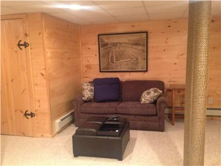 Manomet private beach communit Manomet vacation rental - Man cave- flat screen, pull out full size bed- a forth sleeping s